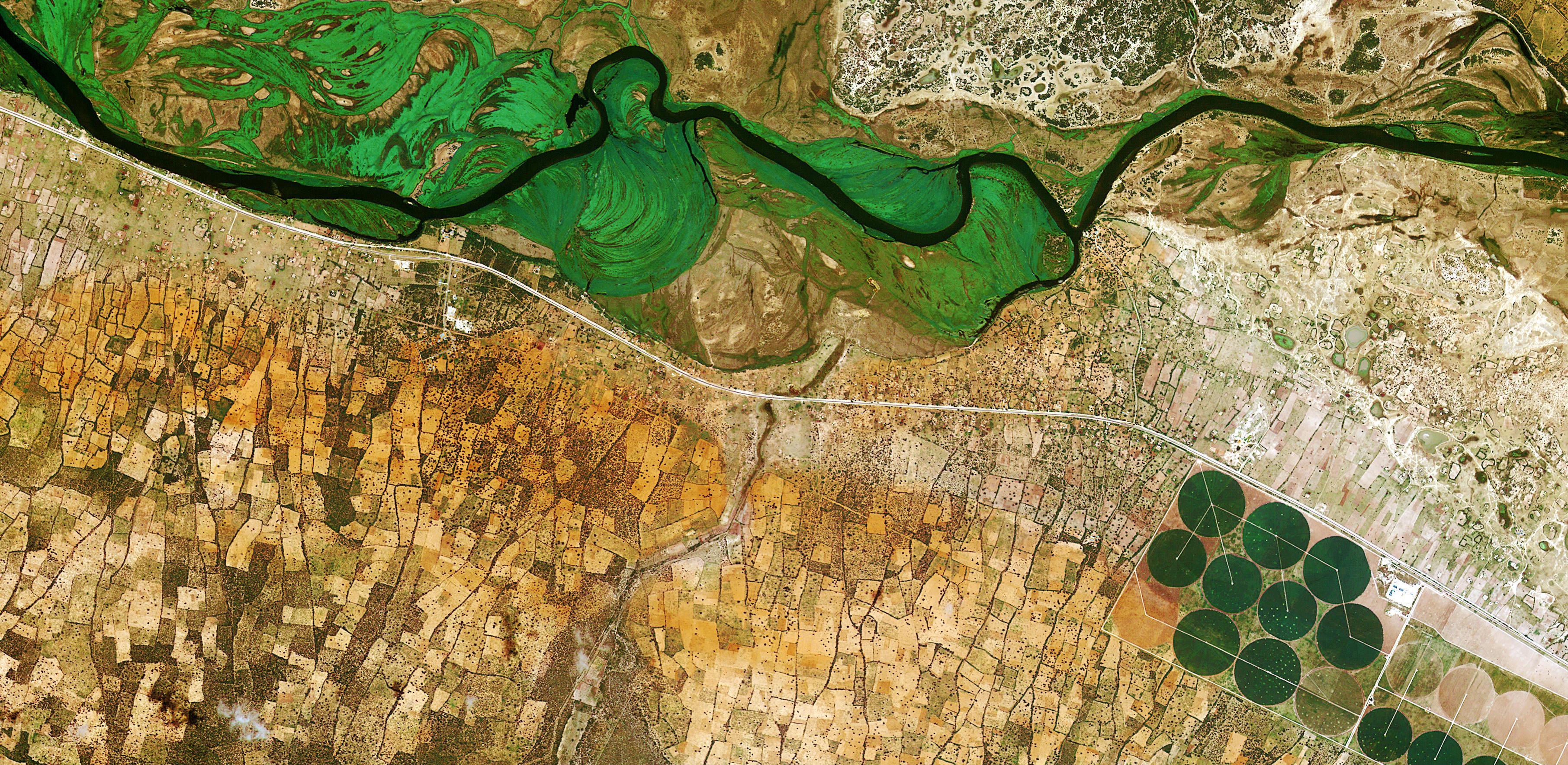 Photo credit: KARI/ESA - the Okavango River